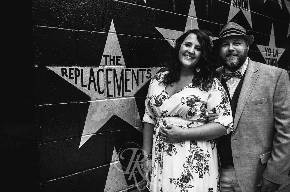 Robyn & Dale - Minnesota Engagement Photography - RKH Images  (1 of 5).jpg