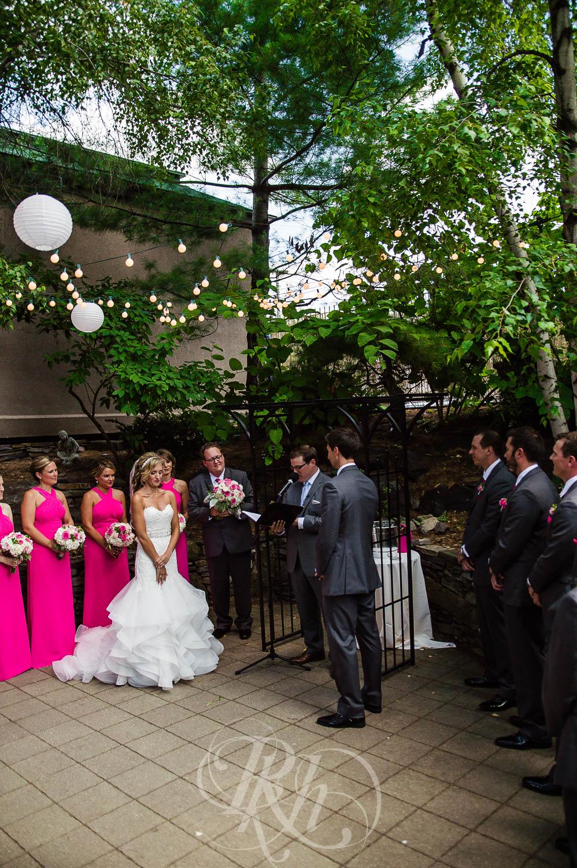 Megan & Jeff - Minnesota Wedding Photographer - Van Dusen Mansion - RKH Images - Blog  (18 of 37).jpg