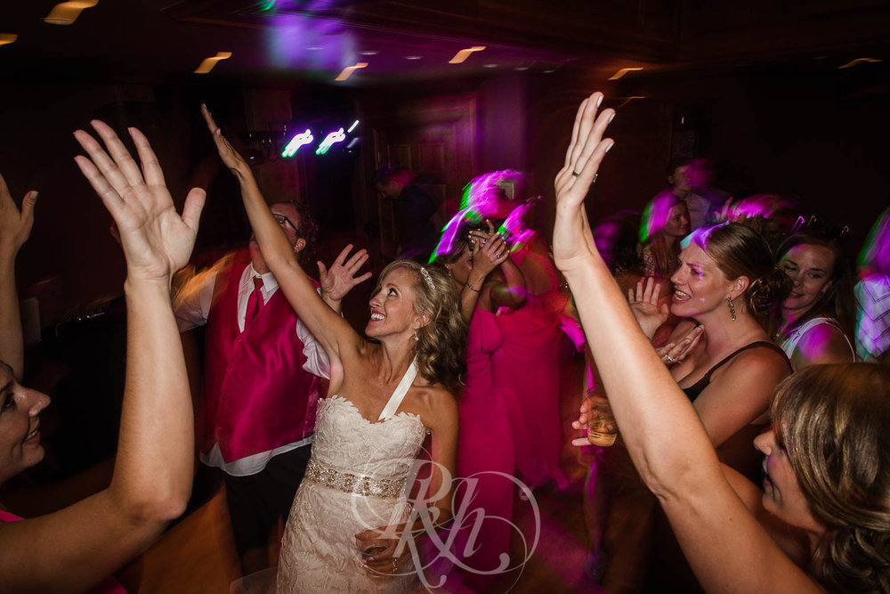 Megan & Jeff - Minnesota Wedding Photographer - Van Dusen Mansion - RKH Images - Blog  (34 of 37).jpg