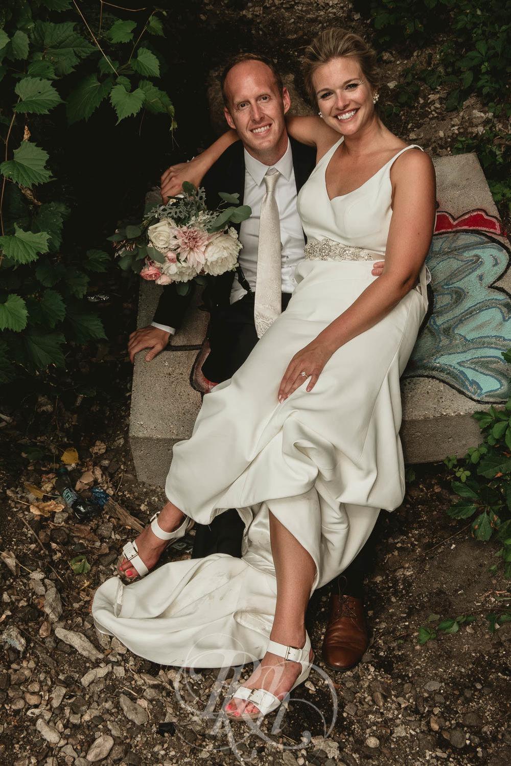 Becky & Jeff - Minneapolis Wedding Photography - Minneapolis Event Center - RKH Images - Blog  (27 of 40).jpg