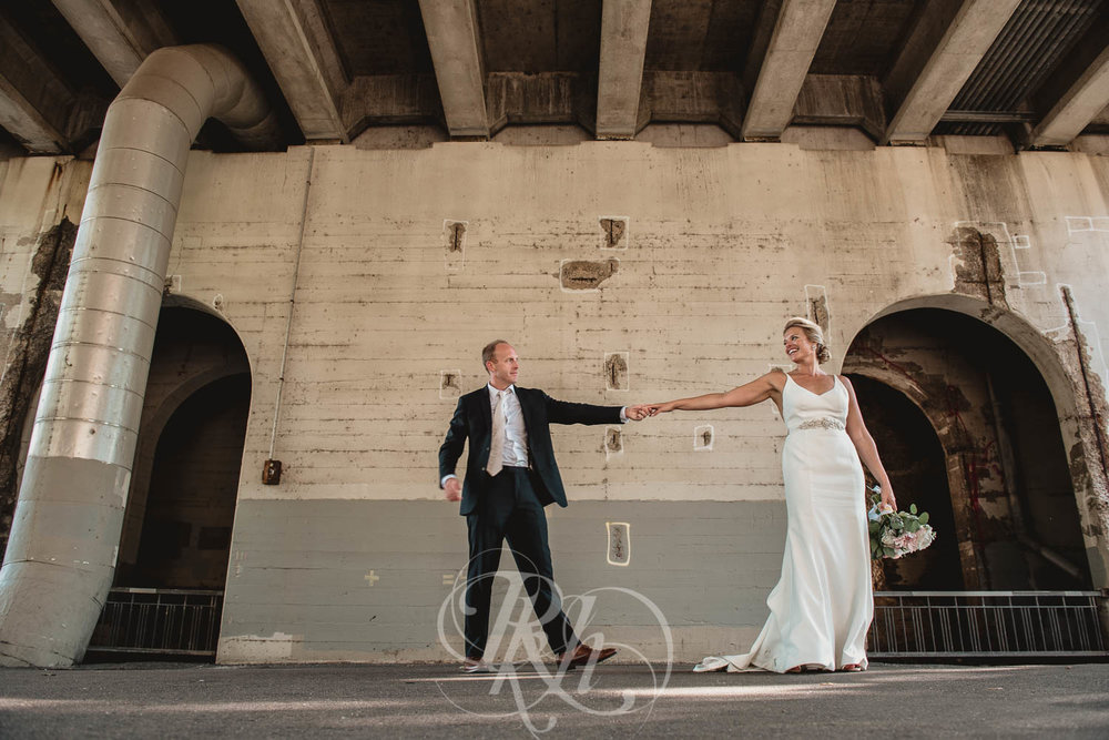 Becky & Jeff - Minneapolis Wedding Photography - Minneapolis Event Center - RKH Images - Blog  (28 of 40).jpg