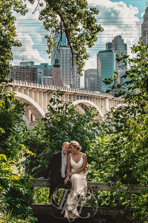 Becky & Jeff - Minneapolis Wedding Photography - Minneapolis Event Center - RKH Images - Blog  (29 of 40).jpg