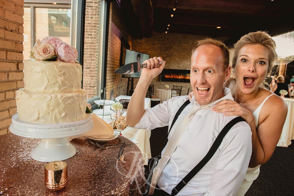 Becky & Jeff - Minneapolis Wedding Photography - Minneapolis Event Center - RKH Images - Blog  (37 of 40).jpg