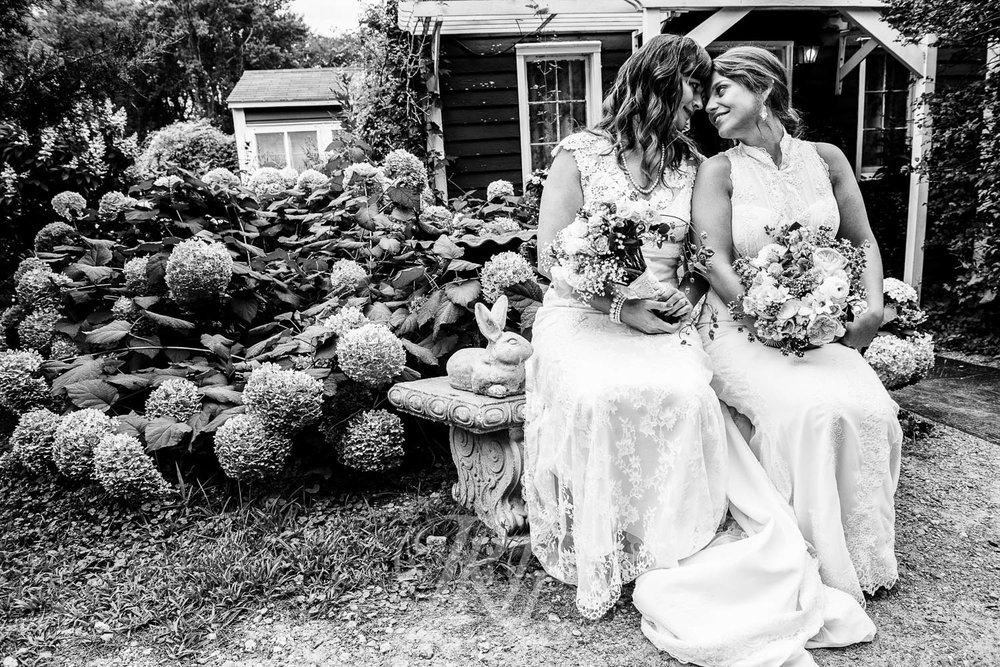 Lea & Leah - Minnesota Wedding Photography - Camrose Hill Flower Farm - RKH Images   (30 of 42).jpg