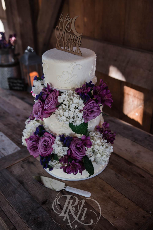 Christy & Matt - Wisconsin Wedding Photography - Birch Hill Barn - RKH Images  (11 of 47).jpg