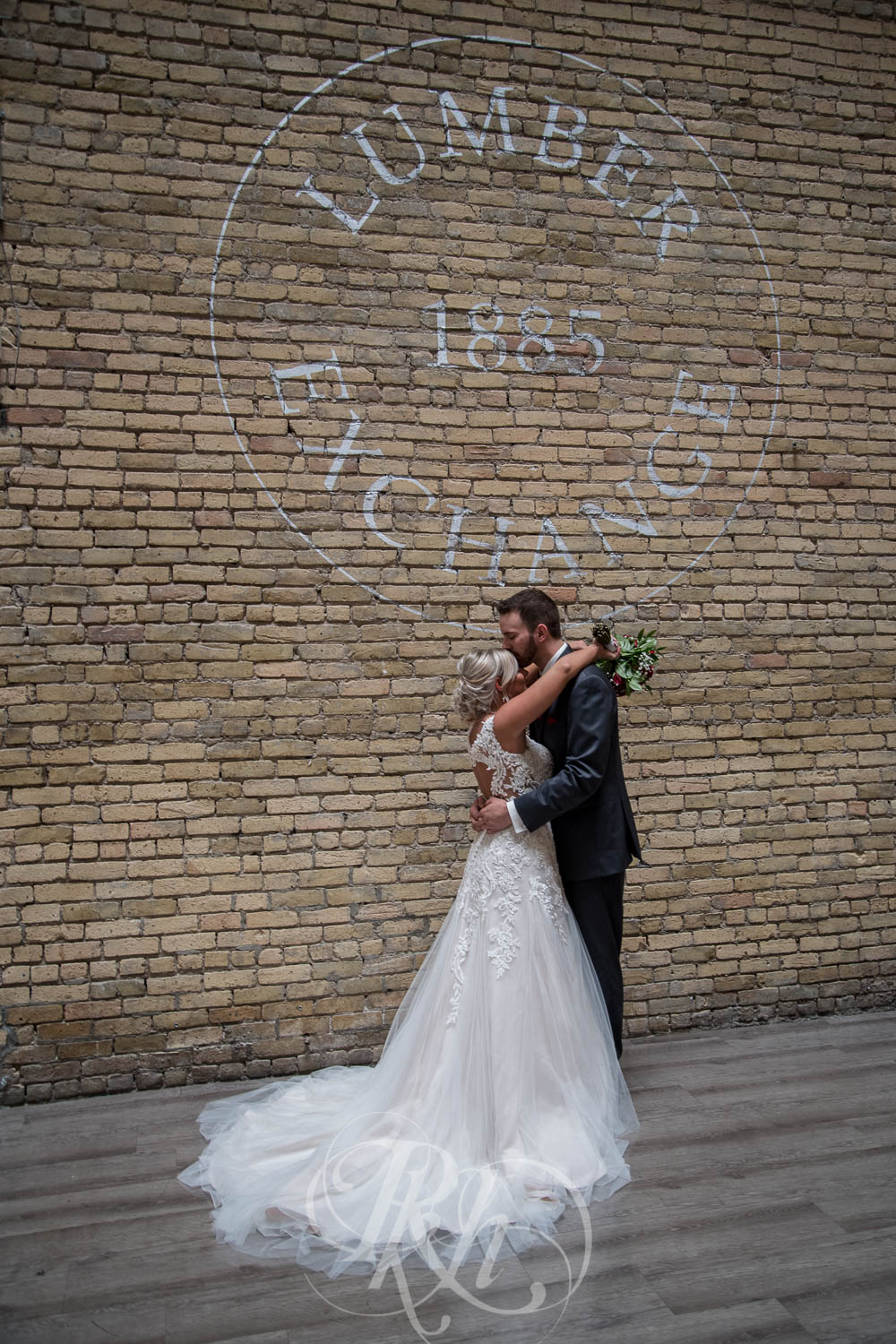 Katie & Jeff - Minnesota Wedding Photography - Lumber Exchange Building - RKH Images - Blog  (17 of 49).jpg