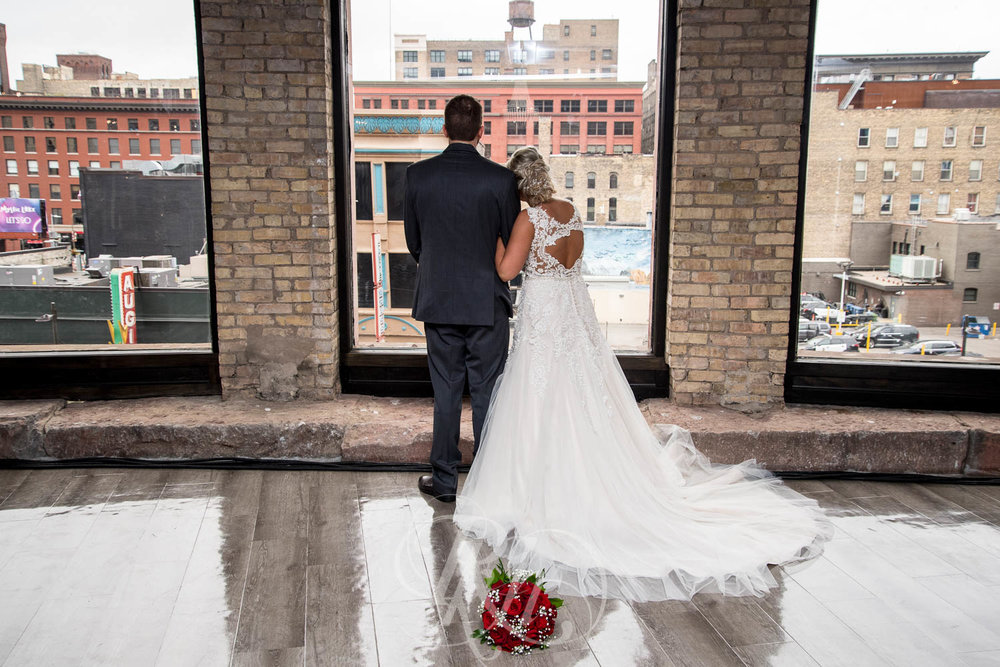 Katie & Jeff - Minnesota Wedding Photography - Lumber Exchange Building - RKH Images - Blog  (19 of 49).jpg