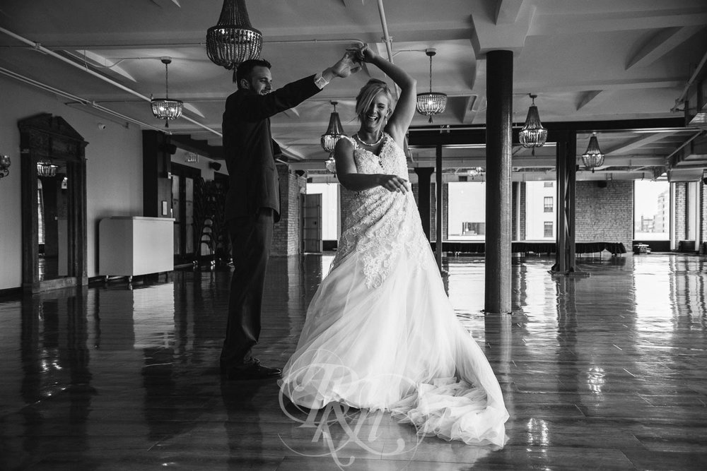 Katie & Jeff - Minnesota Wedding Photography - Lumber Exchange Building - RKH Images - Blog  (21 of 49).jpg
