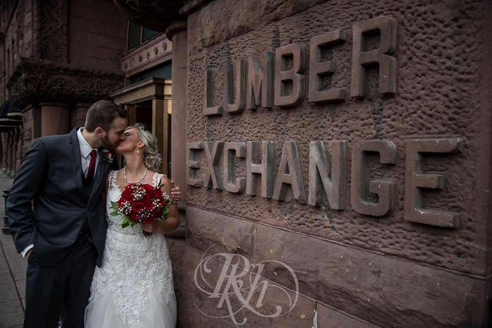 Katie & Jeff - Minnesota Wedding Photography - Lumber Exchange Building - RKH Images - Blog  (25 of 49).jpg