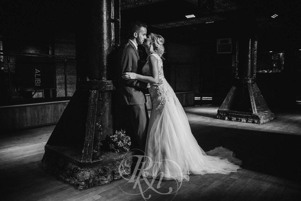 Katie & Jeff - Minnesota Wedding Photography - Lumber Exchange Building - RKH Images - Blog  (26 of 49).jpg