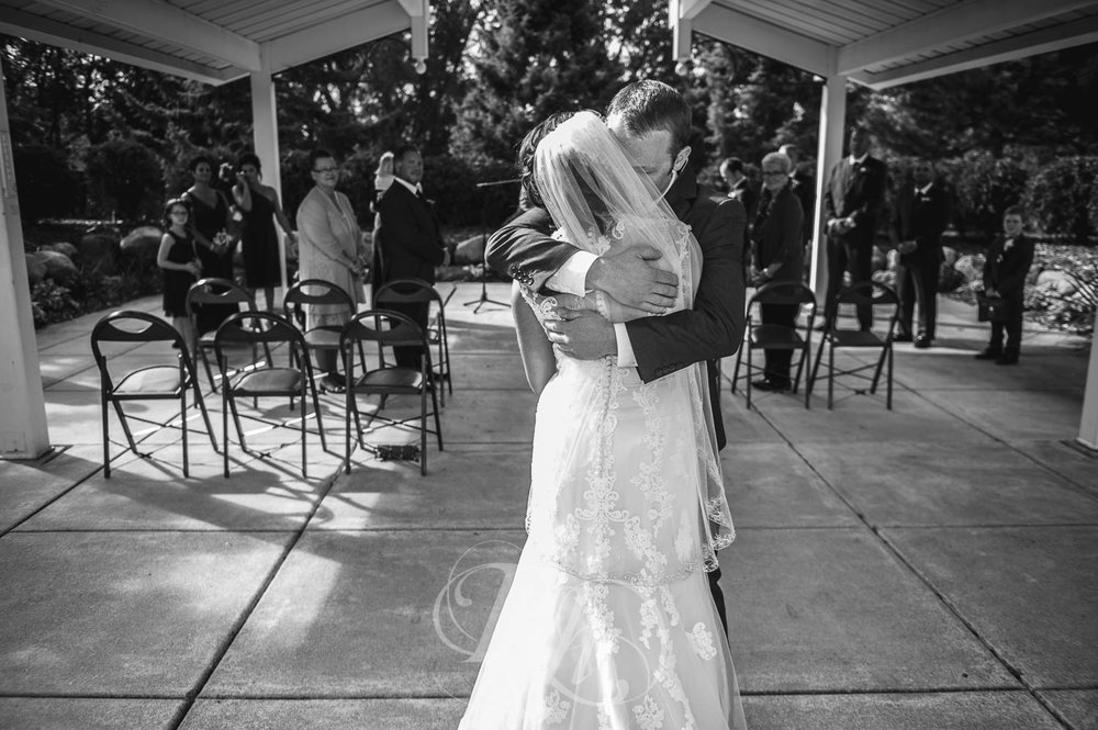 Lindsey & Jeremy - Minnesota Wedding Photography - RKH Images - Blog (20 of 52).jpg