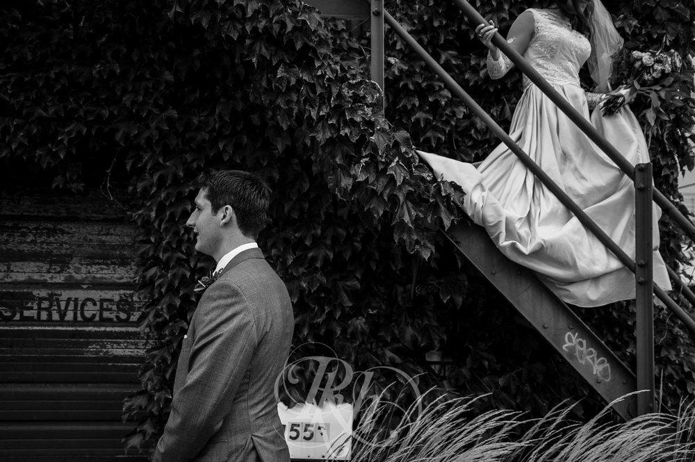 Greta & Paul - Minnesota Wedding Photography - Paikka - RKH Images - Blog (10 of 48).jpg