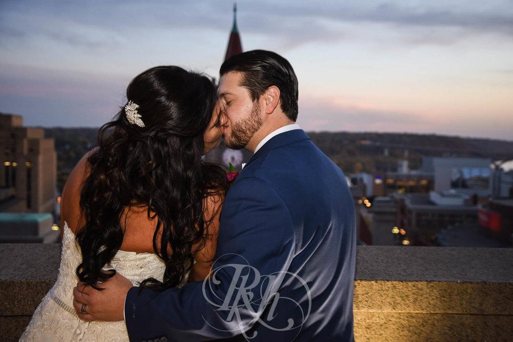 Elizabeth & David - Minnesota Wedding Photography - Landmark Center - RKH Images - Blog  (39 of 52).jpg