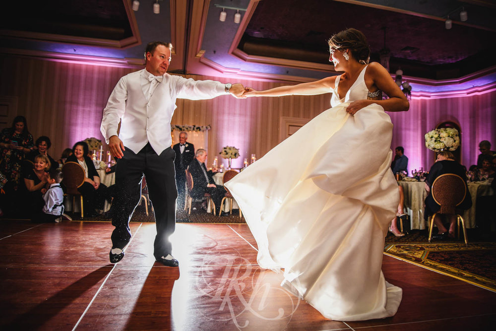 Jackie & Brett - Minnesota Wedding Photography -  St. Paul Hotel - RKH Images - Blog (41 of 48).jpg