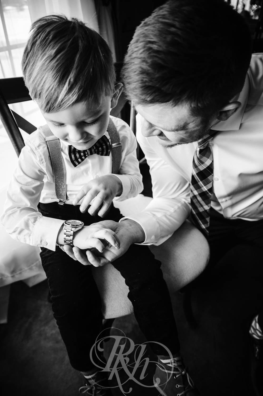 Bridget & Luke - Minnesota Wedding Photography - Creekside Farm Weddings and Events - Winter Wedding - RKH Images  (40 of 60).jpg