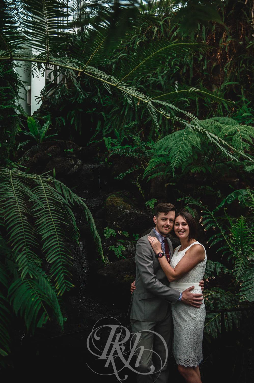 Marissa & Jake - Minnesota Wedding Photographer - Como Zoo - RKH Images  (4 of 9).jpg