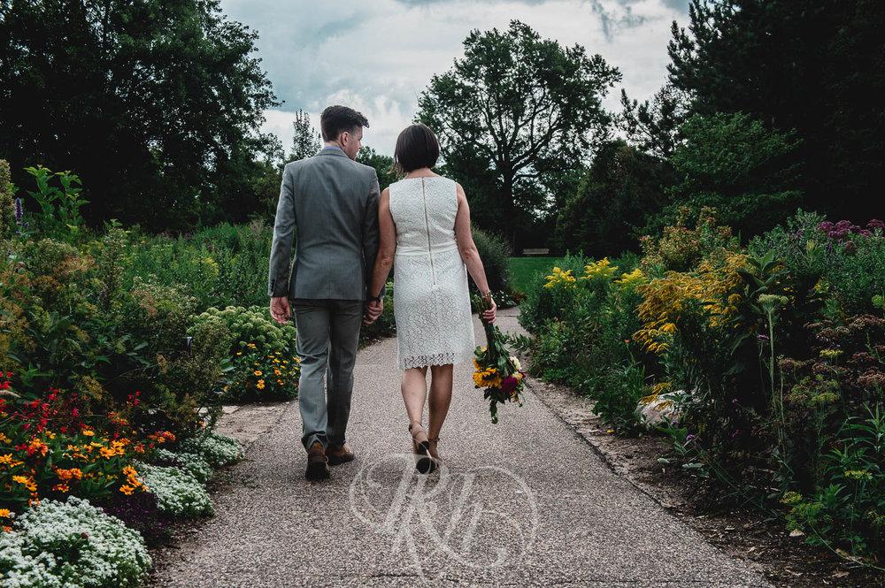 Marissa & Jake - Minnesota Wedding Photographer - Como Zoo - RKH Images  (3 of 9).jpg