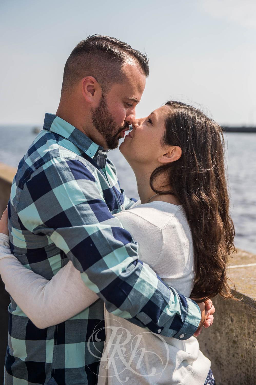 Tonya & Steve - Duluth Engagement Photography - RKH Images  (5 of 7).jpg