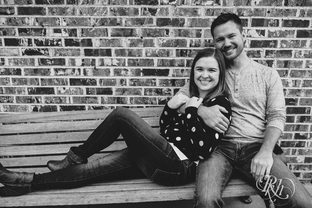 Lauren & Matt - Minnesota Engagement Photography - Rainy Day Engaement Photos - Excelsior - RKH Images  (8 of 10).jpg