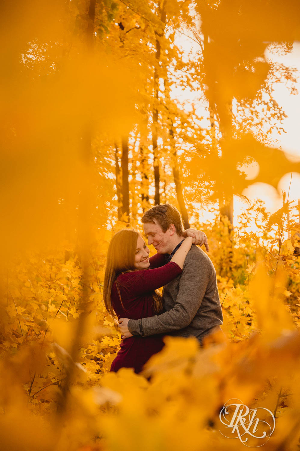 Jamie & Kyle - Minnesota Engagement Photography - RKH Images  (2 of 7).jpg