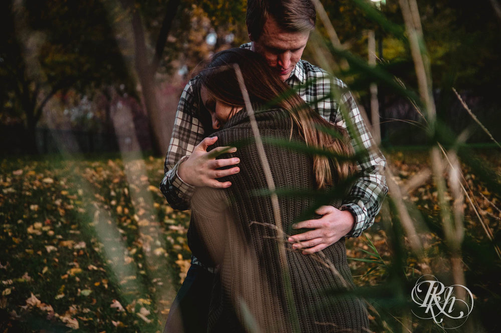 Jamie & Kyle - Minnesota Engagement Photography - RKH Images  (4 of 7).jpg