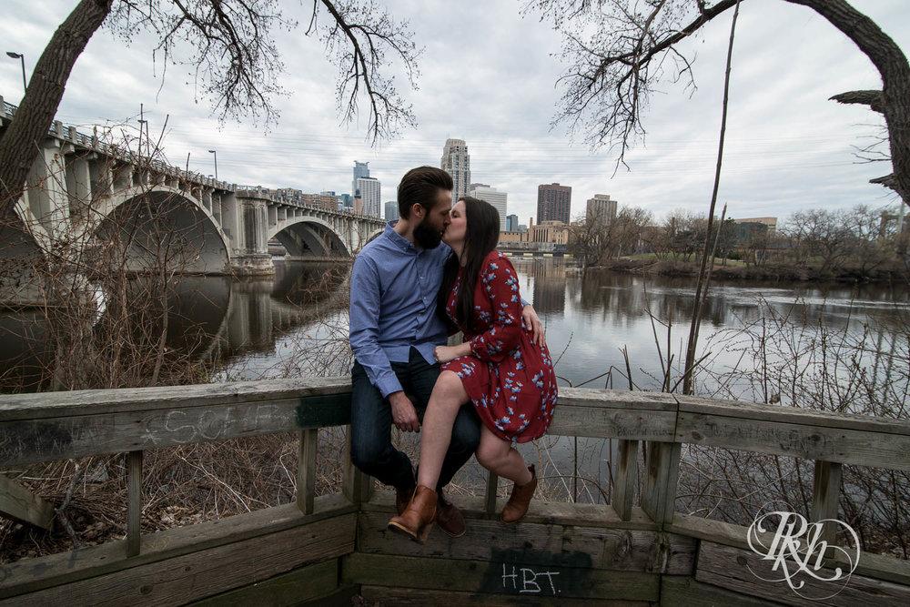 Callan & John - Minnesota Engagement Photography - RKH Images  (1 of 7).jpg
