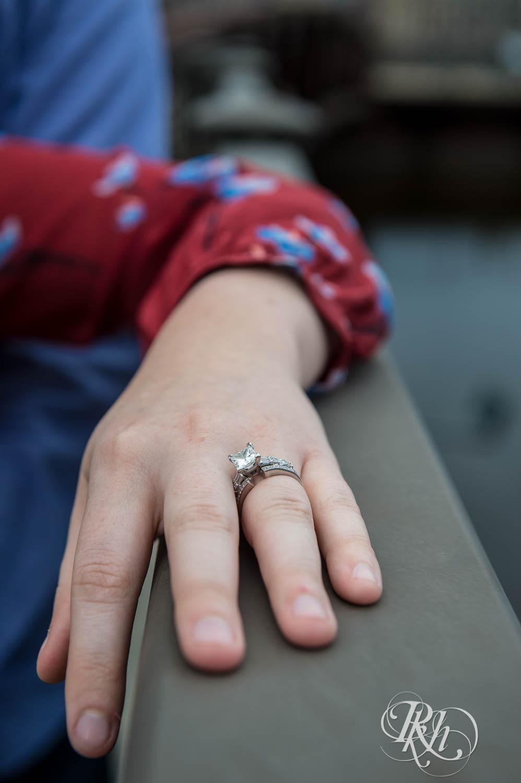 Callan & John - Minnesota Engagement Photography - RKH Images  (3 of 7).jpg