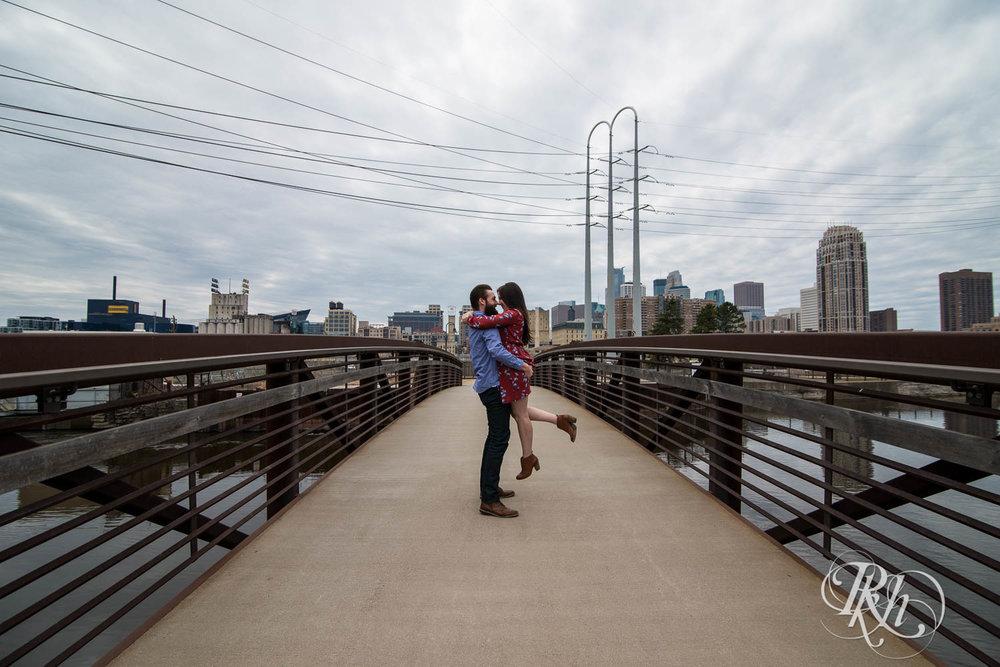 Callan & John - Minnesota Engagement Photography - RKH Images  (4 of 7).jpg