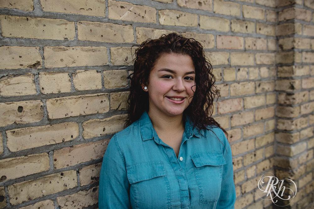 Jordyn - Minnesota Senior Photography  - RKH Images  (5 of 8).jpg