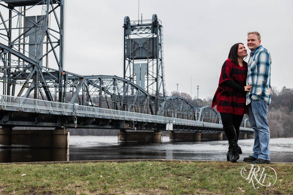 Bri & Erik - Minnesota Engagement Photography - Stillwater - RKH Images  (5 of 9).jpg