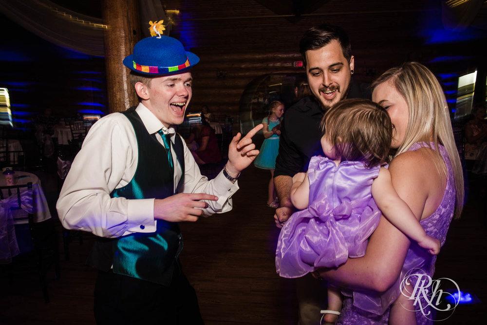 April & Brice - Minnesota Wedding Photography - RKH Images - Samples  (29 of 32).jpg