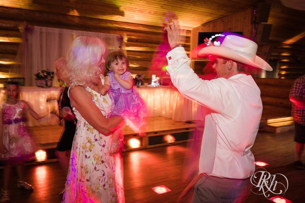 April & Brice - Minnesota Wedding Photography - RKH Images - Samples  (31 of 32).jpg