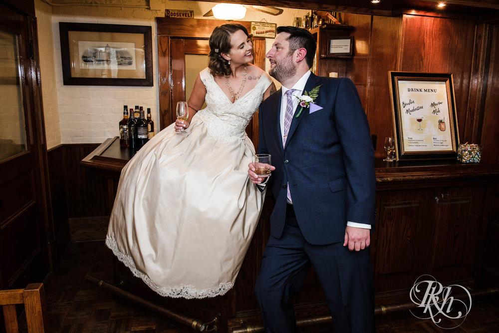 Jenna & Karl - Minnesota Wedding Photography - Summit Manor - RKH Images - Samples  (16 of 36).jpg