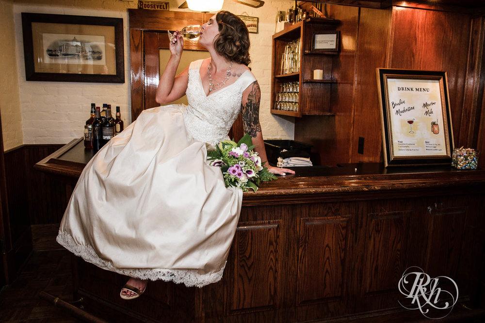 Jenna & Karl - Minnesota Wedding Photography - Summit Manor - RKH Images - Samples  (25 of 36).jpg