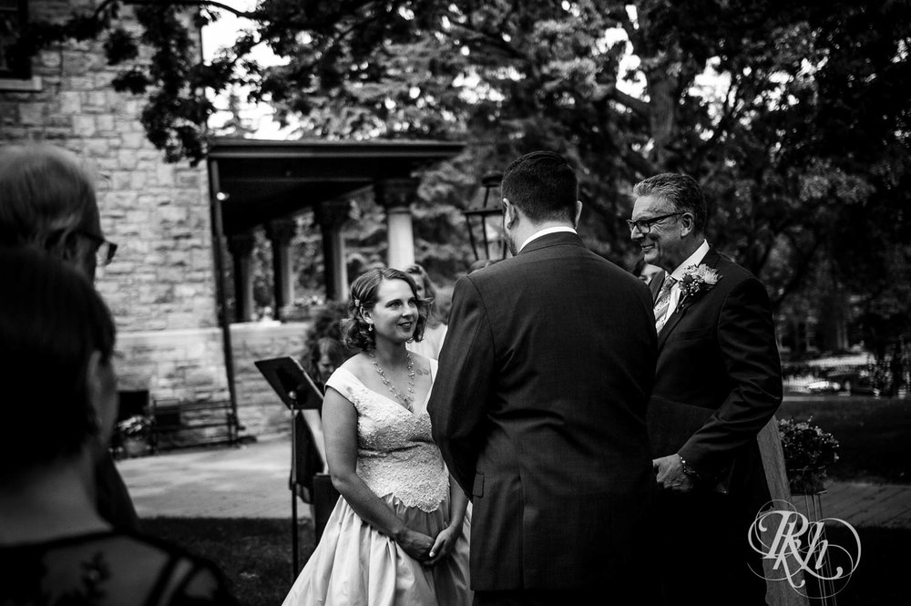 Jenna & Karl - Minnesota Wedding Photography - Summit Manor - RKH Images - Samples  (27 of 36).jpg