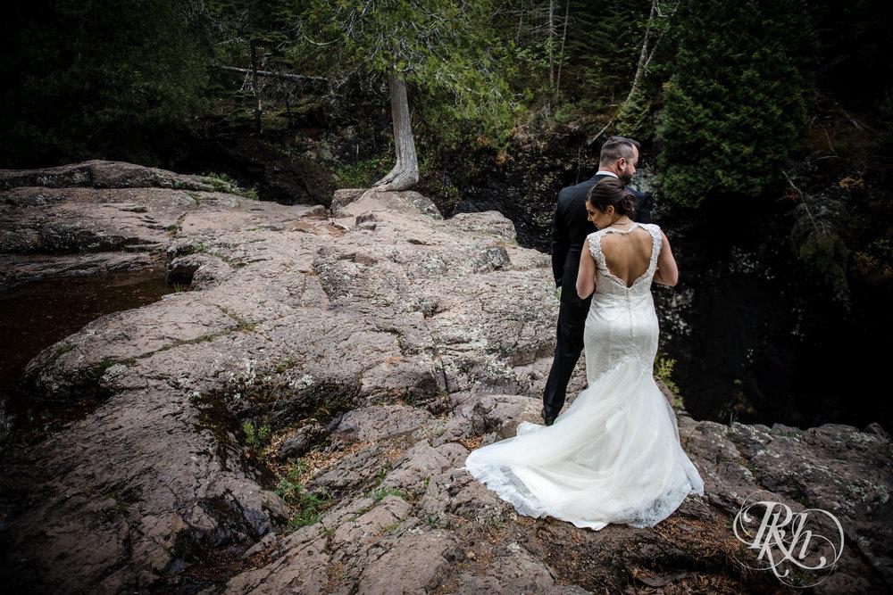 Tonya & Steve - Minnesota Wedding Photograhper - RKH Images - Blog (31 of 53).jpg