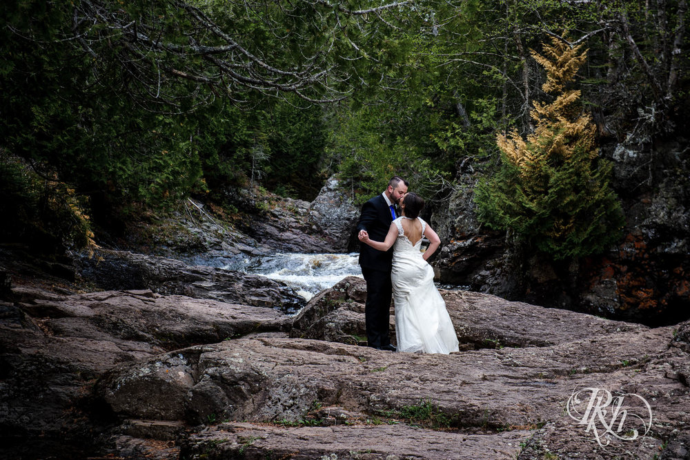 Tonya & Steve - Minnesota Wedding Photograhper - RKH Images - Blog (34 of 53).jpg