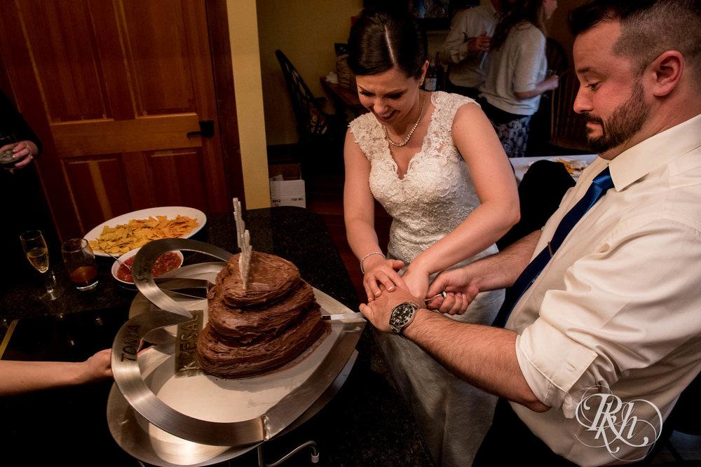 Tonya & Steve - Minnesota Wedding Photograhper - RKH Images - Blog (49 of 53).jpg