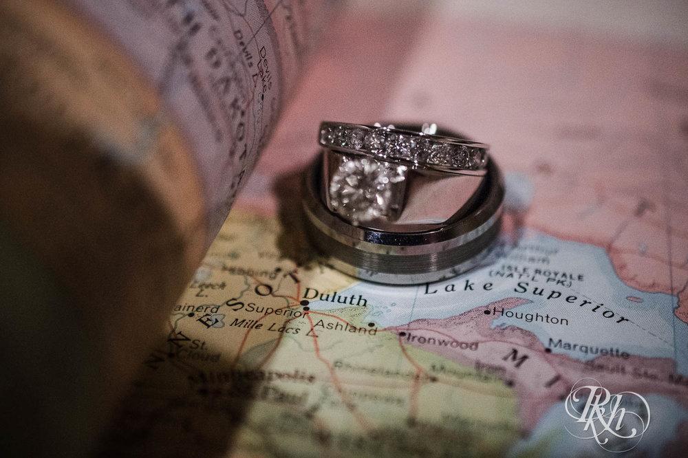Amy & Mark - Minnesota Wedding Photography - Fitger's Inn - RKH Images - Blog (14 of 49).jpg