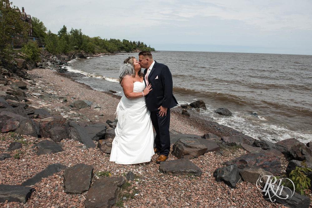 Amy & Mark - Minnesota Wedding Photography - Fitger's Inn - RKH Images - Blog (20 of 49).jpg