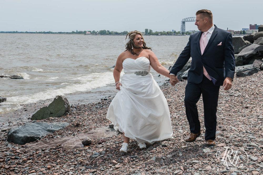 Amy & Mark - Minnesota Wedding Photography - Fitger's Inn - RKH Images - Blog (23 of 49).jpg