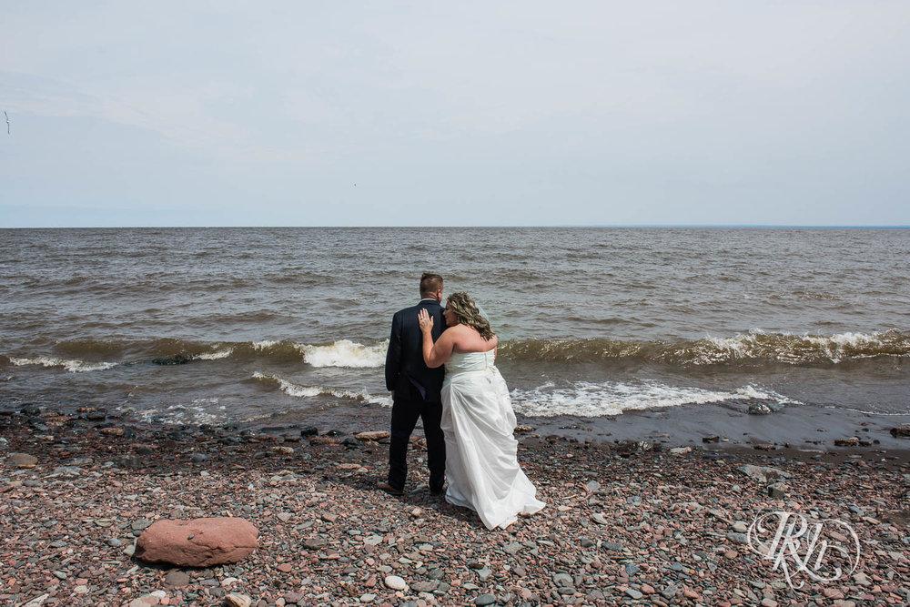 Amy & Mark - Minnesota Wedding Photography - Fitger's Inn - RKH Images - Blog (24 of 49).jpg