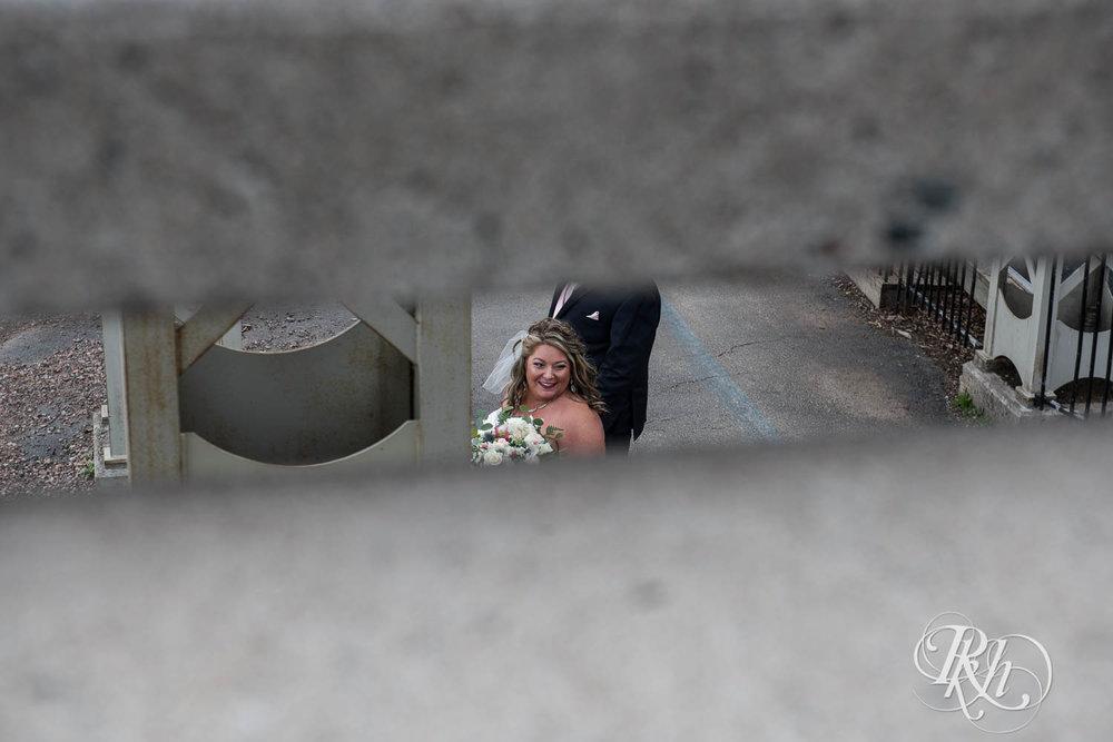 Amy & Mark - Minnesota Wedding Photography - Fitger's Inn - RKH Images - Blog (29 of 49).jpg