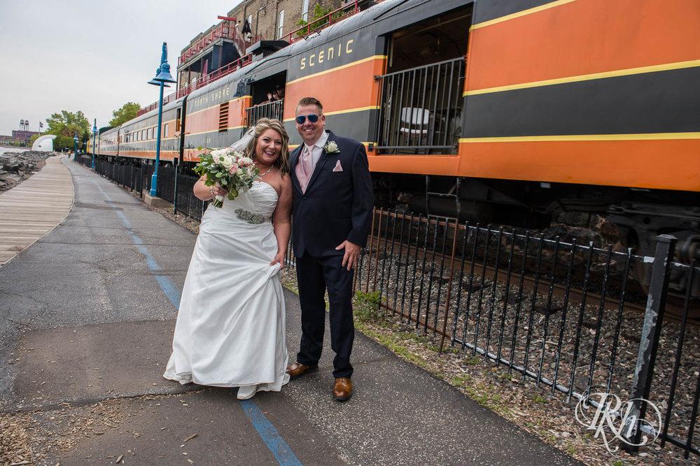 Amy & Mark - Minnesota Wedding Photography - Fitger's Inn - RKH Images - Blog (30 of 49).jpg