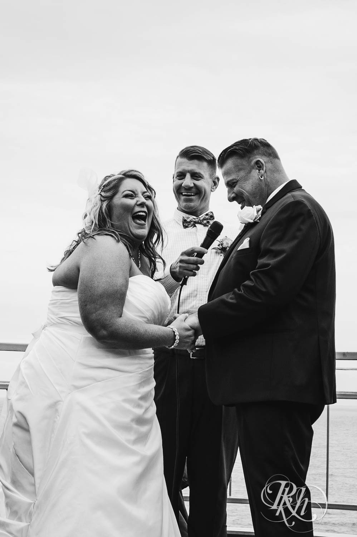 Amy & Mark - Minnesota Wedding Photography - Fitger's Inn - RKH Images - Blog (39 of 49).jpg
