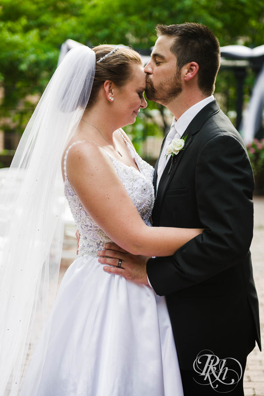 Kayla & Travis - Minnesota Wedding Photography - Crowne Plaza Minneapolis - RKH Images - Blog  (39 of 61).jpg