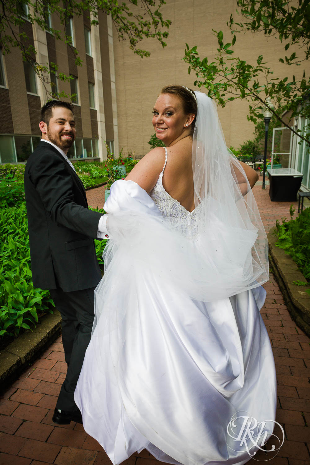 Kayla & Travis - Minnesota Wedding Photography - Crowne Plaza Minneapolis - RKH Images - Blog  (40 of 61).jpg