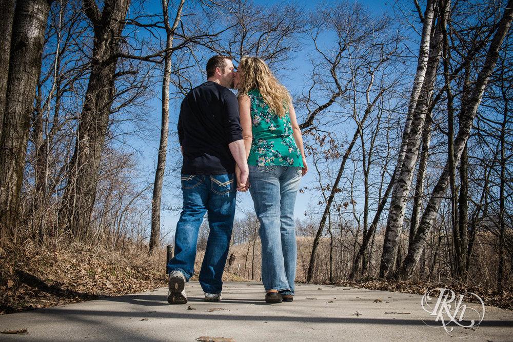 Katie & Arik - Minnesota Engagement Photograpy - Lebanon Hills Regional Park - RKH Images  (7 of 9).jpg