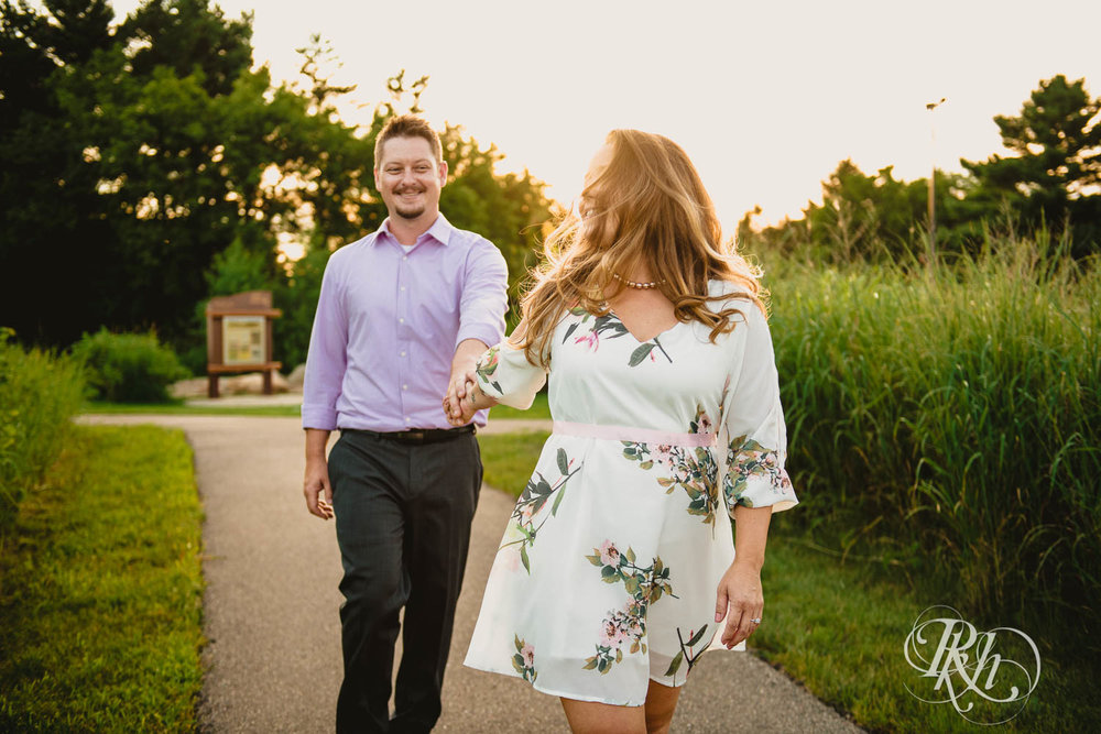 Ally & Nick - Minnesota Engagement Photograpy - Whitetail Woods Regional Park - RKH Images  (1 of 15).jpg