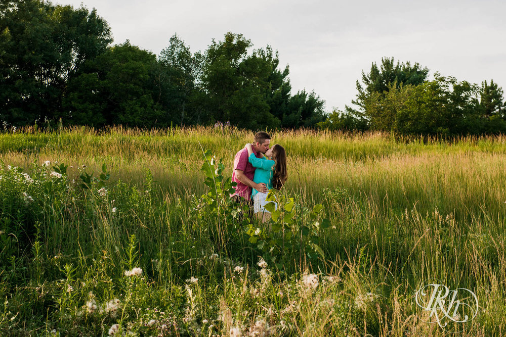 Ally & Nick - Minnesota Engagement Photograpy - Whitetail Woods Regional Park - RKH Images  (10 of 15).jpg
